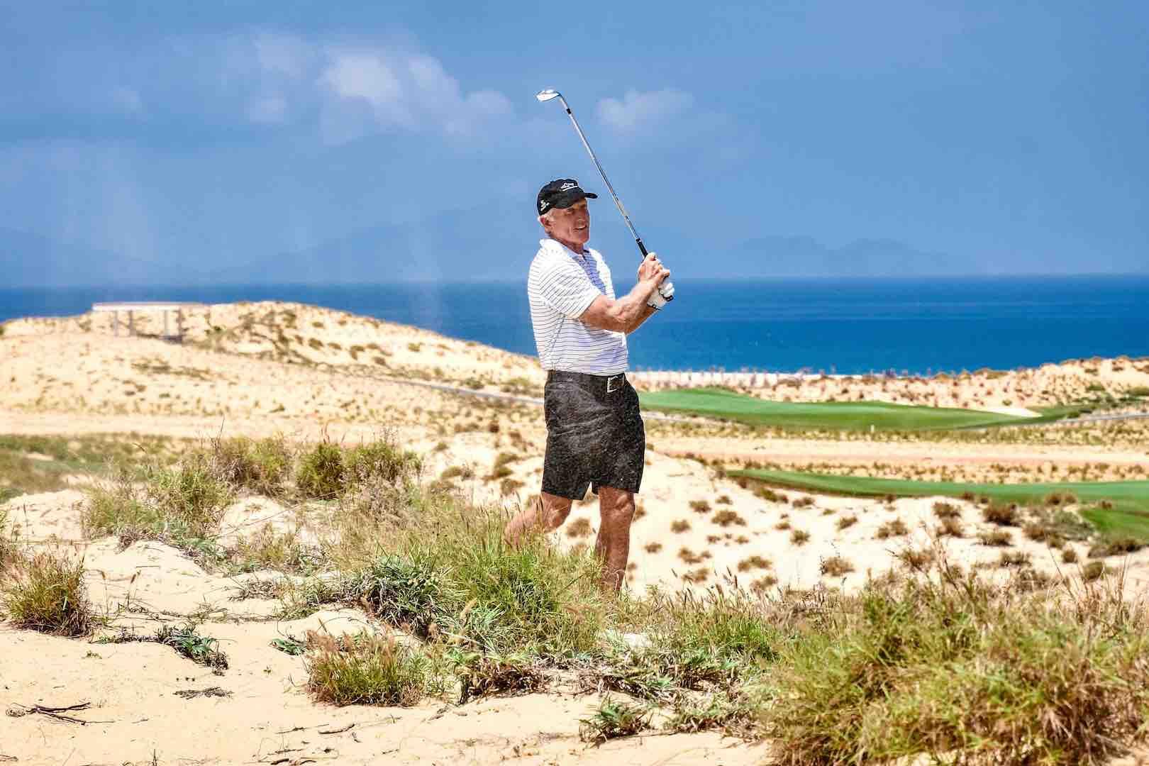 Greg-Norman-in-NovaWorld-PhanThiet-Designer-PGA-Golf-Villas