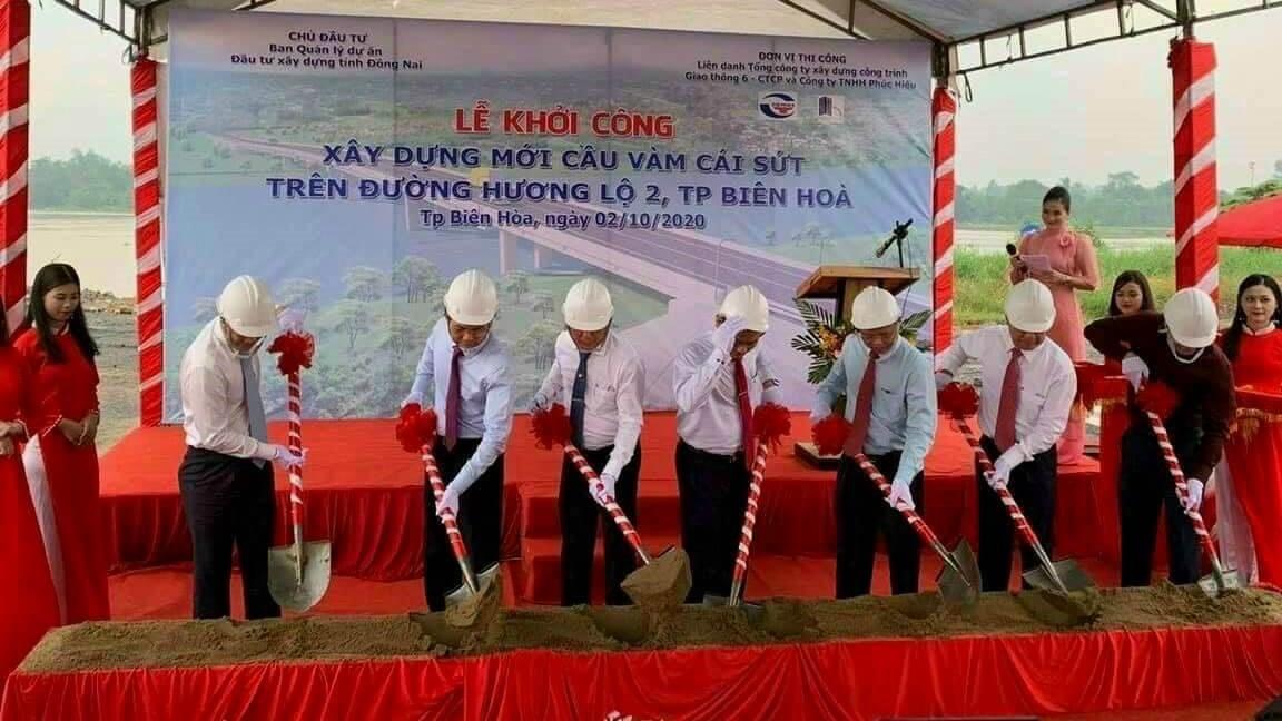 le-dong-tho-xay-dung-du-an-cau-Vam-Cai-Sut