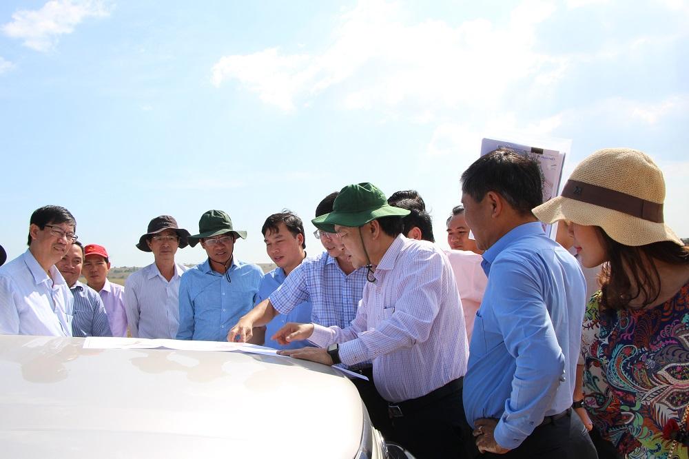 lanh-dao-binh-thuan-khao-sat-thi-cong-duong-719-719b-ven-bien-tai-tinh-Binh-Thuan