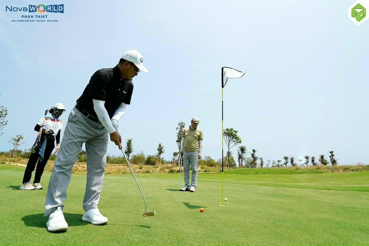 Kh-Han-Quoc-choi-thu-PGA-Golf-Ocean-NovaWorld-Phan-Thiet
