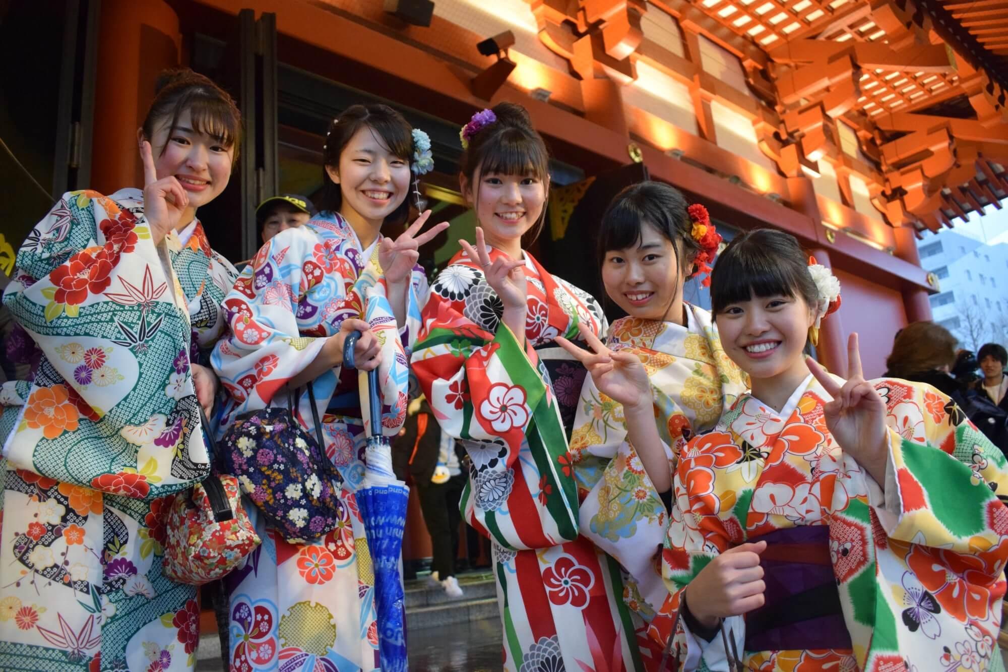 co-gai-kimono-nhat-ban-de-thuong (1)